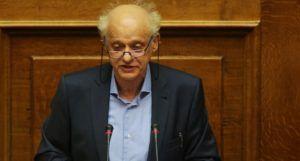 Ο βουλευτής του ΣΥΡΙΖΑ Σπύρος Λάππας μιιλάει στο βήμα της Βουλής, Παρασκευή 15 Απριλίου 2016. Συζήτηση και λήψη απόφασης επί της προτάσεως που κατέθεσαν ο πρωθυπουργός και πρόεδρος της ΚΟ του ΣΥΡΙΖΑ Αλέξης Τσίπρας και οι βουλευτές του κόμματός του και ο πρόεδρος της ΚΟ των Αν.Ελ. Πάνος Καμμένος και οι βουλευτές του κόμματός του, για σύσταση Εξεταστικής Επιτροπής, σχετικά με τη διερεύνηση της νομιμότητας της δανειοδότησης των πολιτικών κομμάτων καθώς και των ιδιοκτητριών εταιρειών μέσων μαζικής ενημέρωσης από τα τραπεζικά ιδρύματα της χώρας. ΑΠΕ-ΜΠΕ/ΑΠΕ-ΜΠΕ/ΑΛΕΞΑΝΔΡΟΣ ΒΛΑΧΟΣ